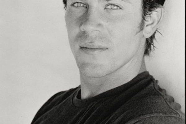 Christian Kane has joined the feature film Dream Team!